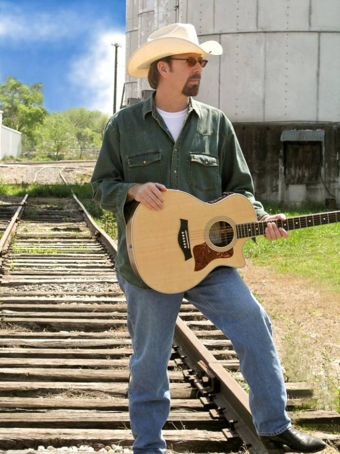 Texas Country Music Artist, Texas Singer Songwriter, Texas Musician, Dallas Guitarist, Nashville Songwriter, Dallas Producer, Dallas Studio Engineer